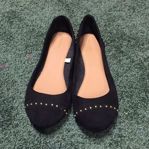 Black and gold flats